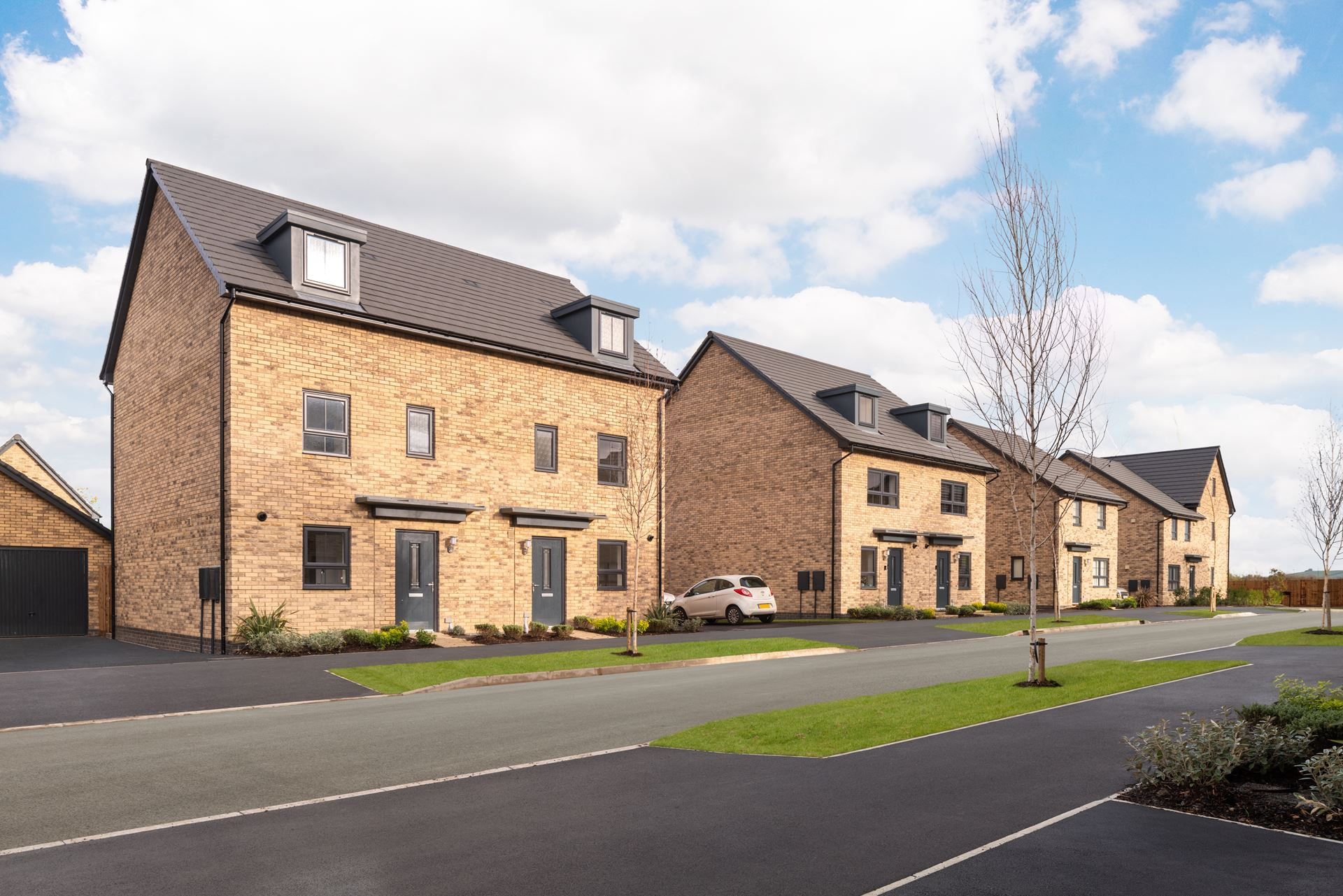 Outside view of the Kingsville housetypes at Canalside @ Wichelstowe, Swindon. 4 bed homes.