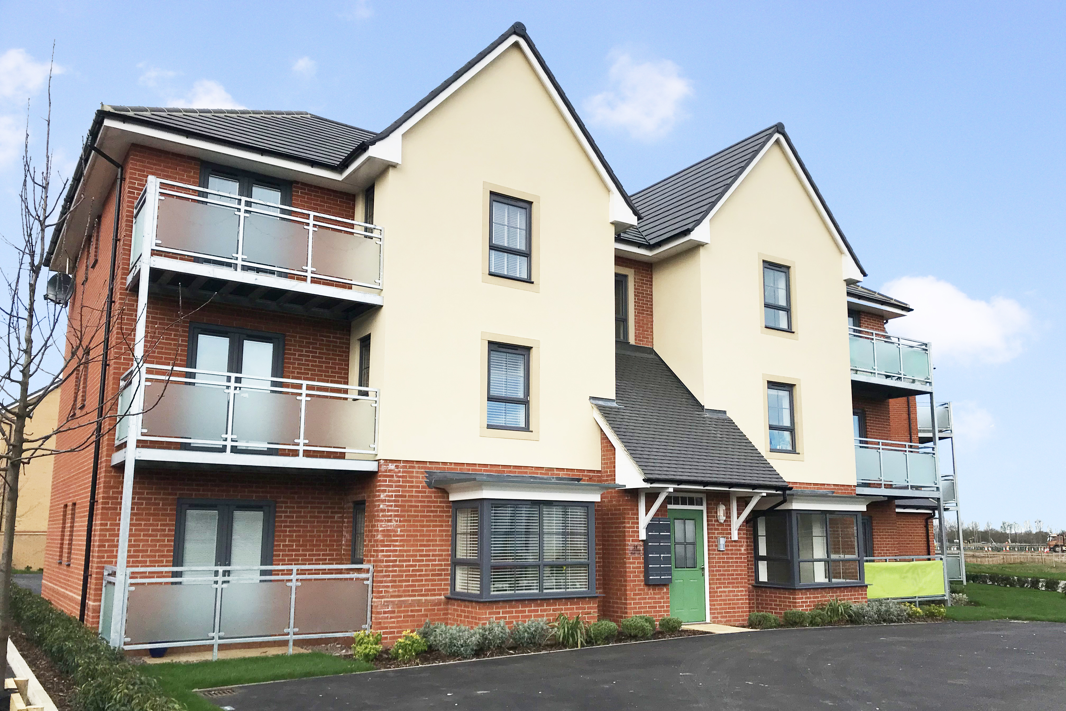 External view of 2 bedroom Falkirk Apartments at Eagles' Rest